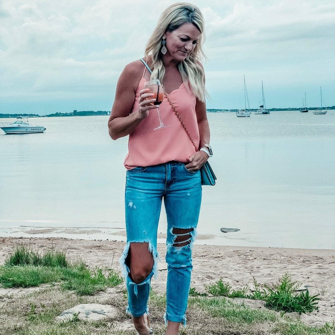Kelsey Tuttle - Blogger